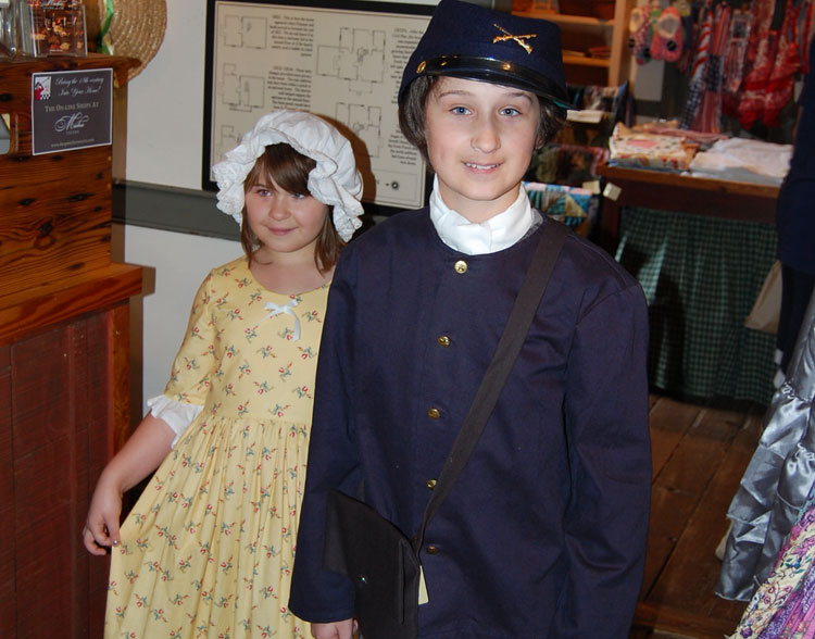 Things to do in Charlottesville - Colonial clothing at Michie Tavern
