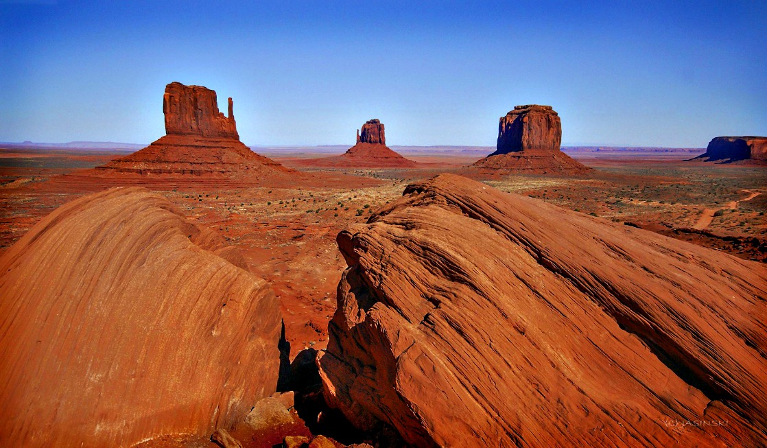 Monument Valley Navajo Tribal Park is a feast to your eyes and your soul.