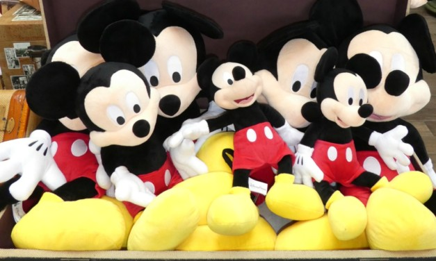 5 Helpful Ways to Save Money Souvenir Shopping at Disney World