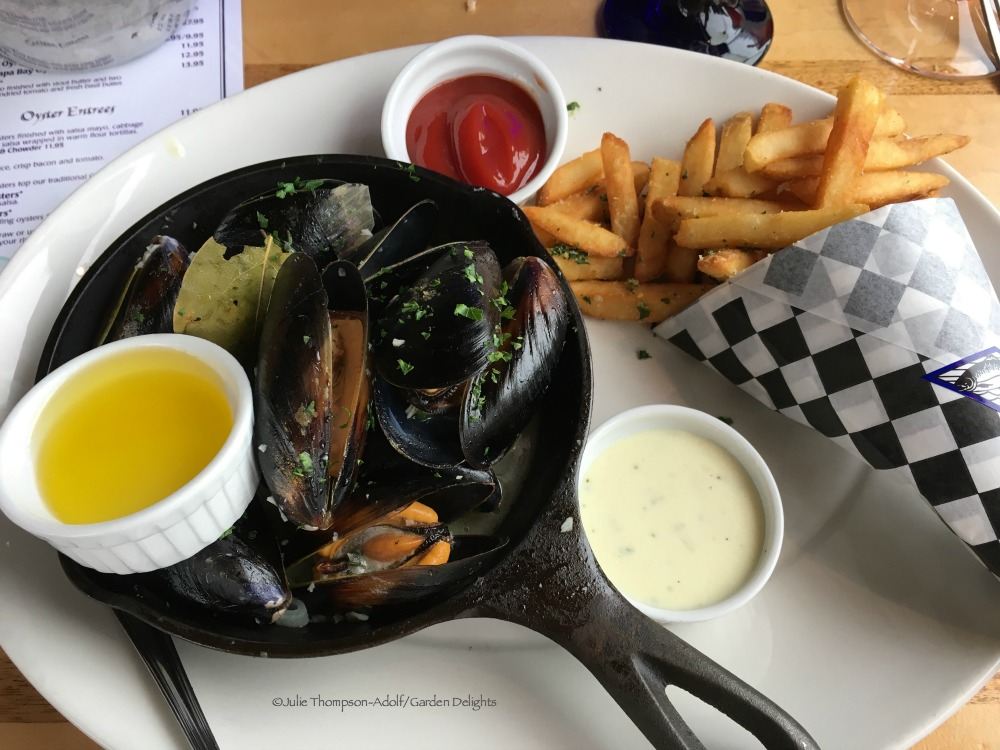 Family-Friendly Seattle Restaurants Mussels and Fries