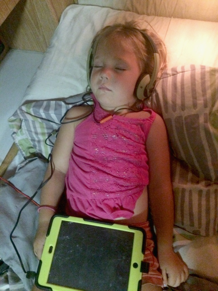 Against all parenting tips, RV Tips insist that children bring electronics on road trips!