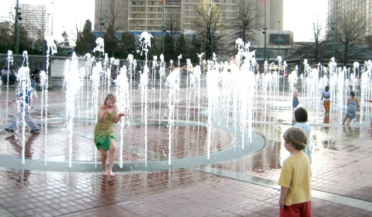 Exploring any city with kids can be expensive, but doesn't have to be. Here are Five Free Things to do in Atlanta with Kids.