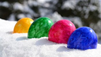 Hotels with Easter egg hunts
