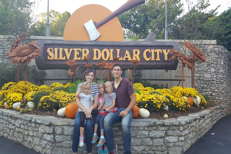 A fun-filled day at the Silver Dollar City theme park, one of many fun things to do with kids in Branson