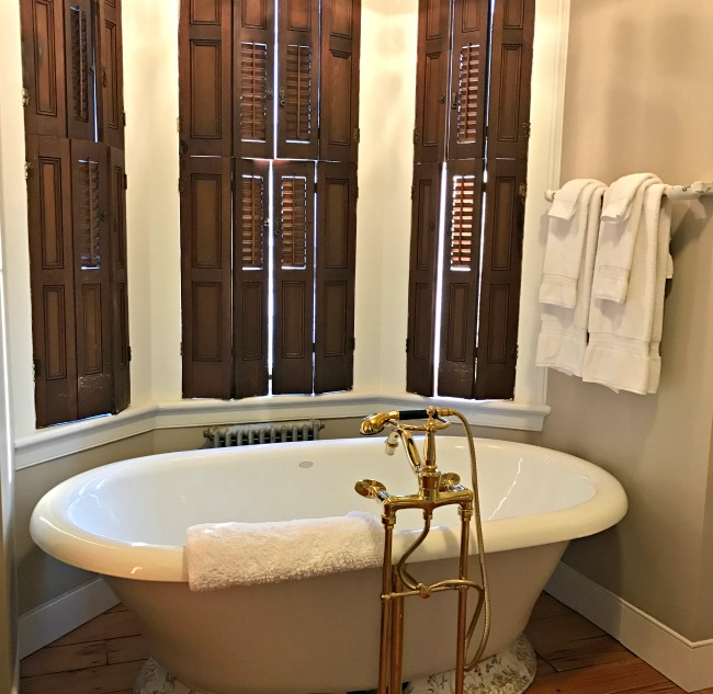 One favorite Gettysburg bed & breakfast offers large suites with private baths.