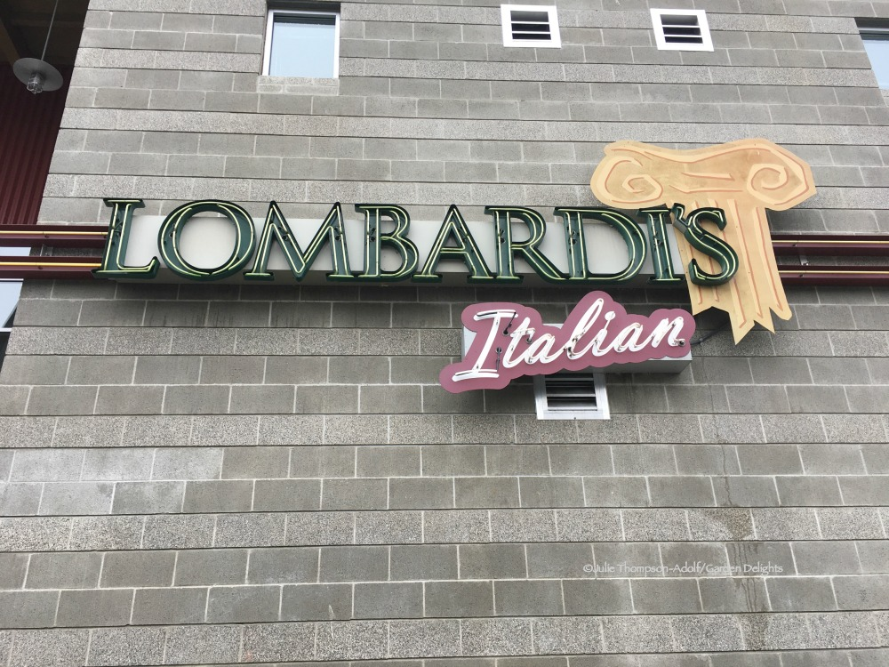 Family-Friendly Seattle Restaurants Lombardi's