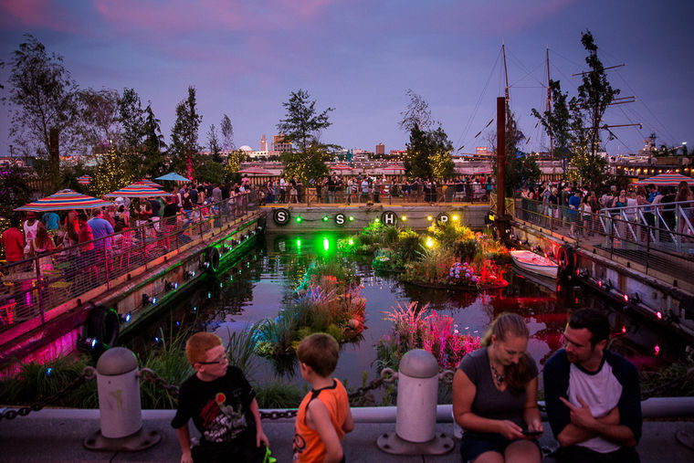 Locals in Philly can't wait for Spruce Street Harbor Park to open in May (Photo )