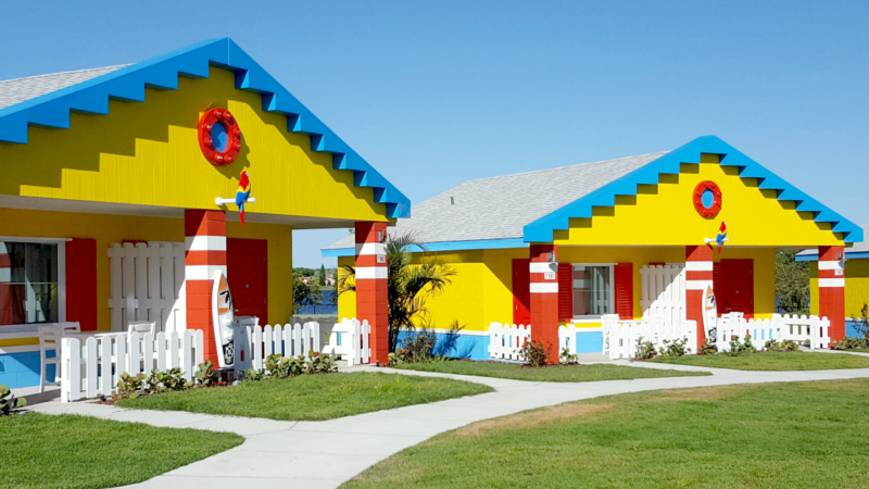 Ever wonder what it would be like to stay in a LEGO house? Now you can find out when you visit the new LEGOLAND Beach Retreat in Orlando.