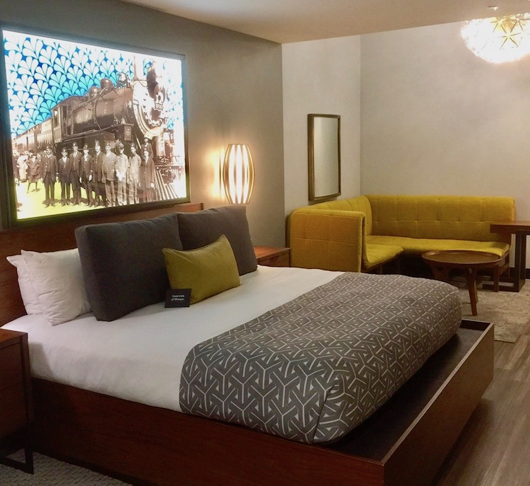 Expecting average and finding stylish excellence in a hotel boosts travel experiences exponentially. The Springfield Missouri Hotel Vandivort does just so.