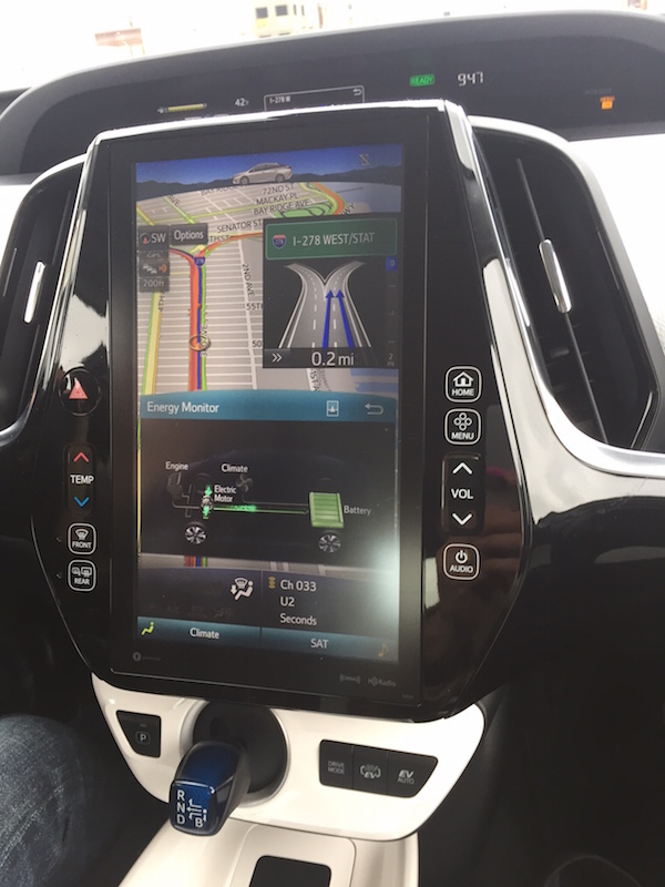 With the prius prime screen, monitor green travel