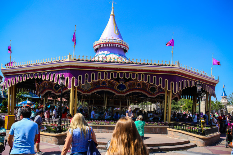 The ultimate list of Disney World rides for kids and grandparents!