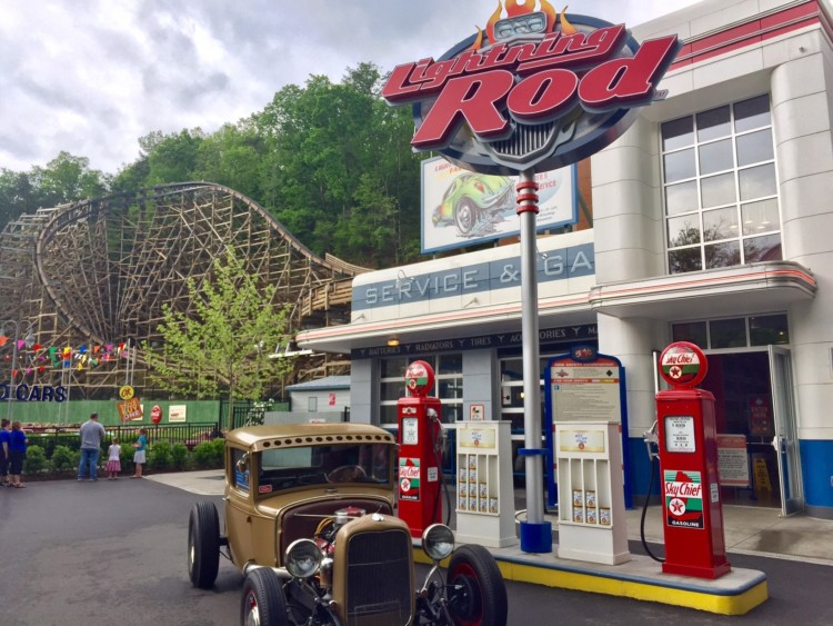 VIP Tips for Visiting Dollywood - Ride Lightning Rod.