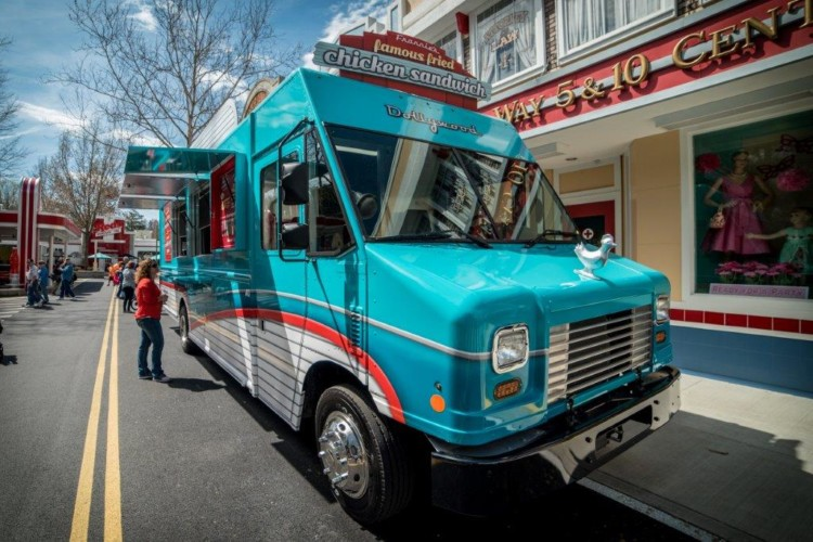 VIP Tip for Visiting Dollywood - Find Frannie's Food Truck