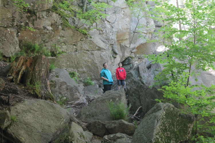 kids can rock climb on this awesome Massachusetts hike!