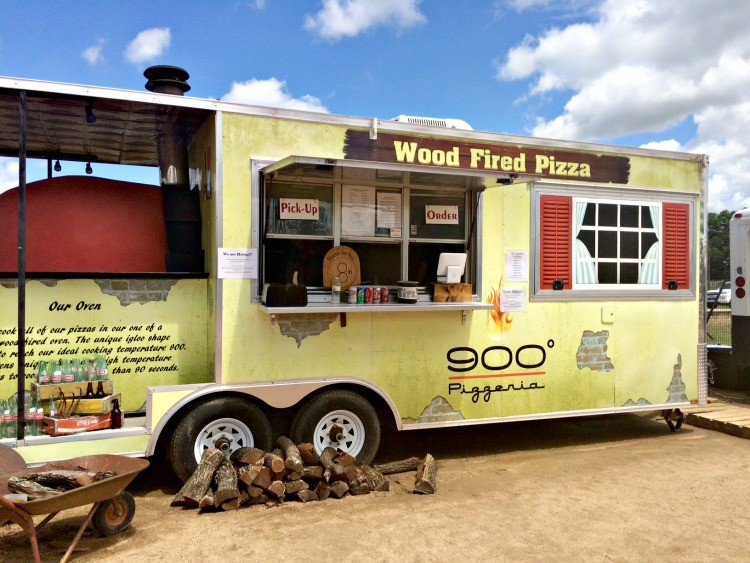 Be sure and try the delicious food trucks at Magnolia Market, one of the many fun things to do in Waco.