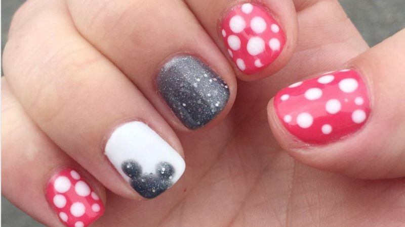 Fun Disney nail art ideas help get you ready for a trip to WDW! - Magical Disney Nail Design Ideas Walt Disney World TravelingMom