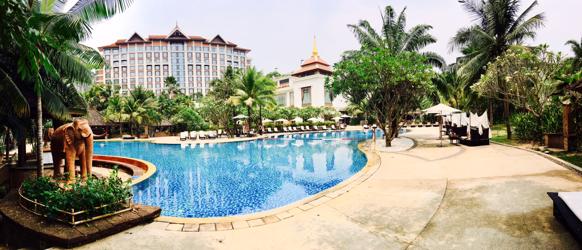 The largest hotel swimming pool in Chiang Mai is found at Shangri-la Chiang Mai