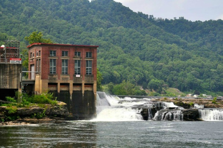 There are so many things to see and do in West Virginia. The beauty of the state will astound you. Here are 21 activities to get you started.
