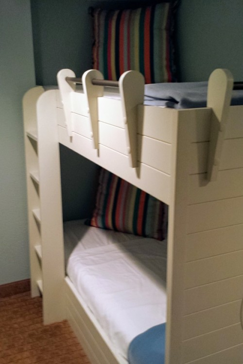The bunk bed alcove is a fun way to accommodate kids at the Hilton Sandestin, one of my top three Florida luxury hotels.