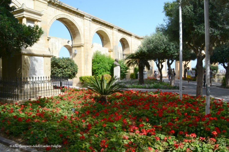 Things to Do in Malta include relaxing in the Barrakka Gardens.