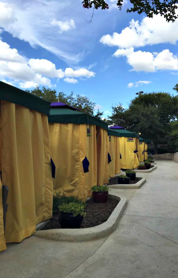 7 Reasons To Choose A Waterpark Cabana Rental At Aquatica