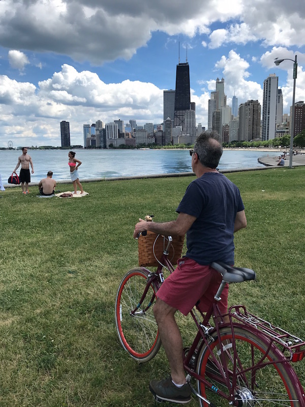 Do you want to ride a free bike on a Chicago trip? Try the Hotel Allegro.