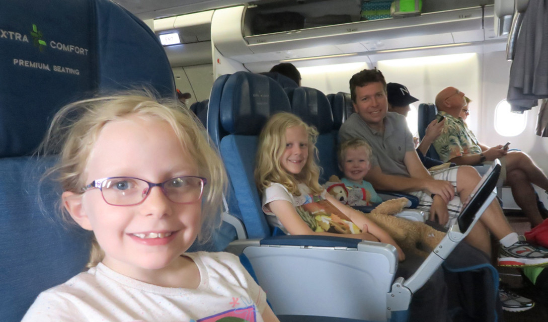 How to Keep Kids Happy When Traveling: 7 Proven Tips!