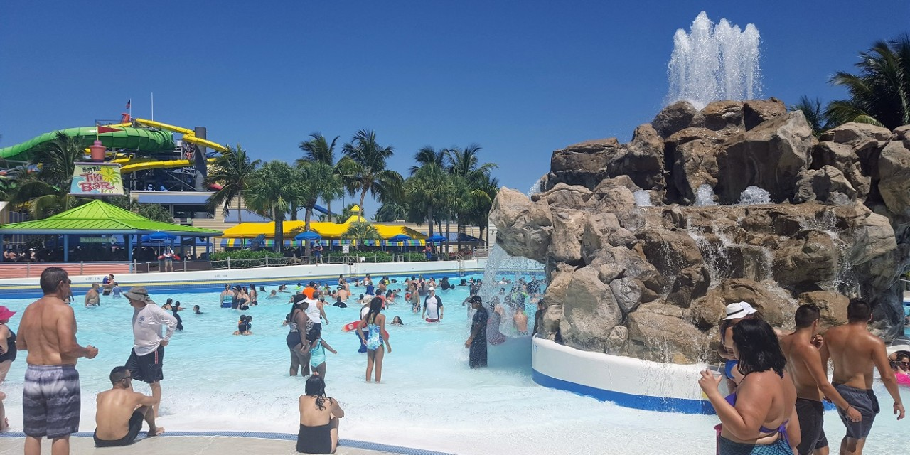 9 Water Park Tips that Will Make You Actually Want to Go to One