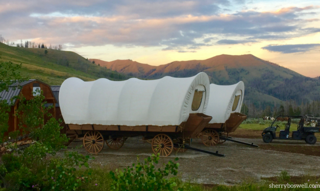 Wanna try glamping in a covered wagon? Go with Goosewing Ranch