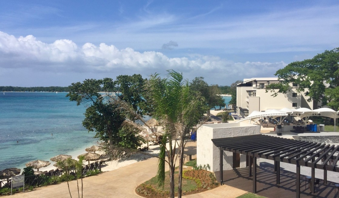 Hotel review all inclusive royalton negril jamaica for Worry free vacations all inclusive