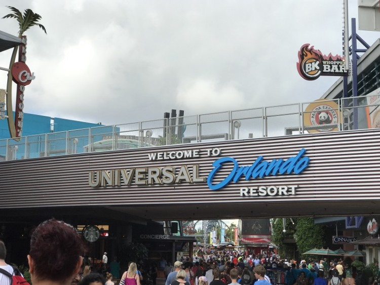 When you enter Universal Studios Florida in Orlando you don't need to be overwhelmed. We can help with ideas for amazing Universal Studios experiences.