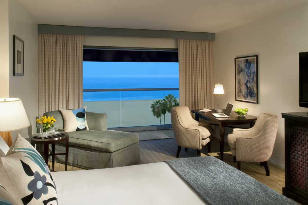 The Loews Santa Monica Beach Hotel is the ideal place to stay when you explore LA in 1 day