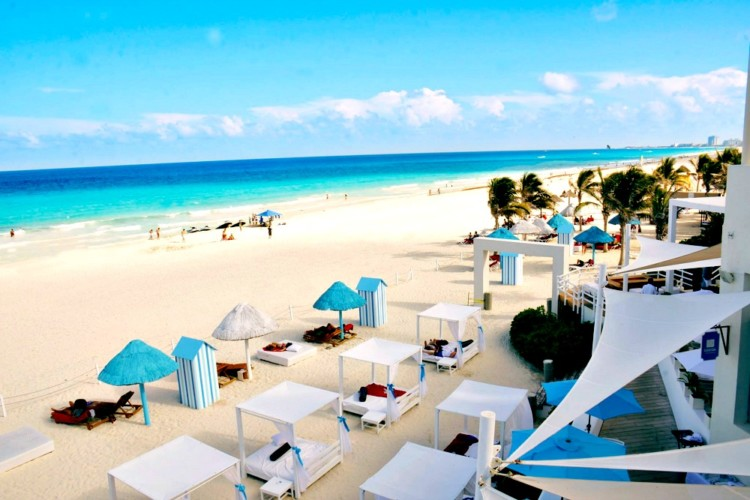 can you see unique cancun luxury at the beaches at The Pyramid at Grand Oasis