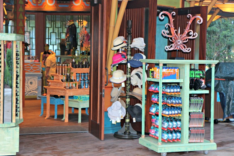 Use the Tapu Tapu Wristband at Volcano Bay to make purchases