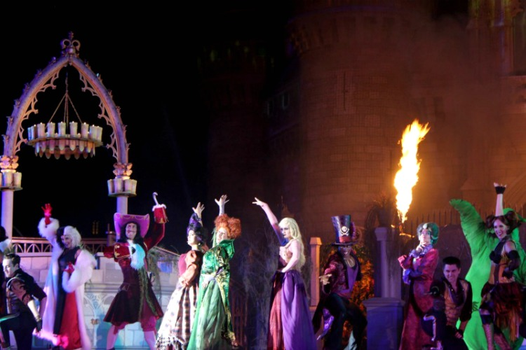 The Hocus Pocus Spelltacular is a one of the7 Of The Best Reasons To Visit Mickey's Not So Scary Halloween Party.