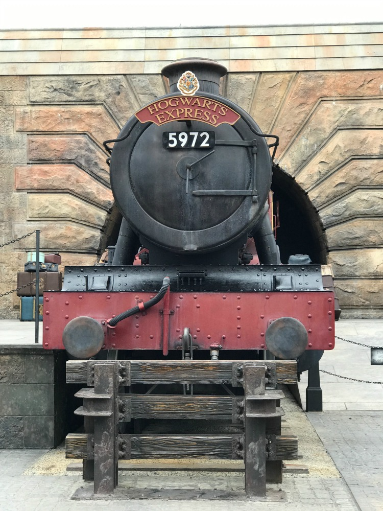 The Universal Express Pass now includes the Wizarding World of Harry Potter attractions including Hogwarts Express