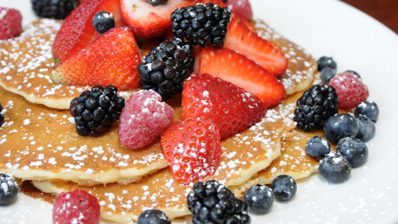 Wildberry Cafe In Chicago Is A Family Friendly Restaurant Famous For Its Pancakes