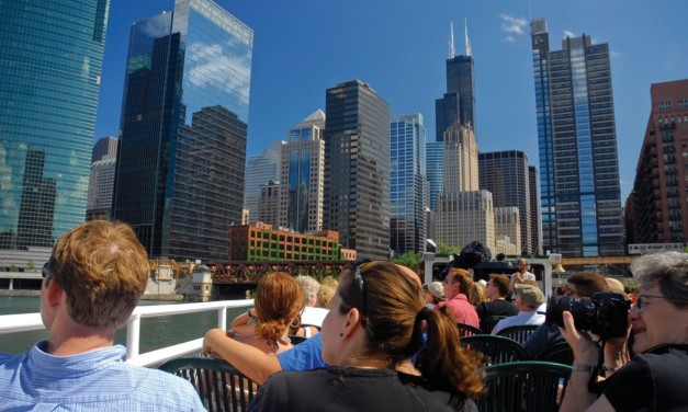 4 Reasons to Take the Chicago Architecture Foundation Boat Tour