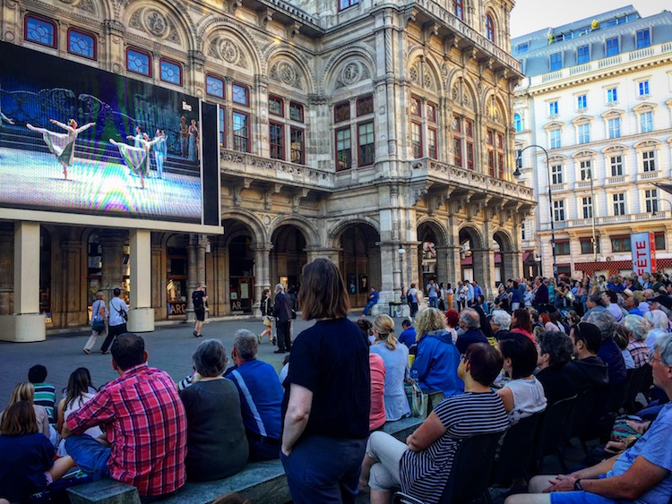 A free performance at the Opera House is a Vienna date idea