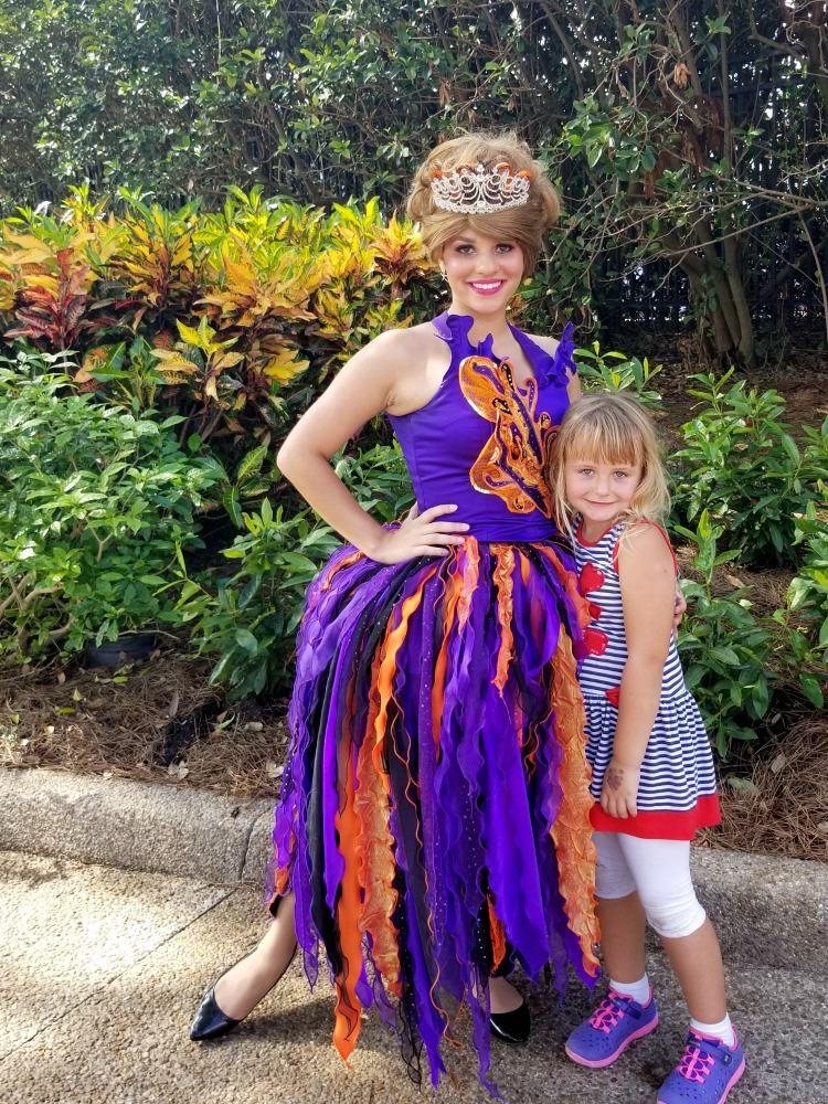 SeaWorld Halloween Spooktacular Tips - watch for impromptu photo opps.