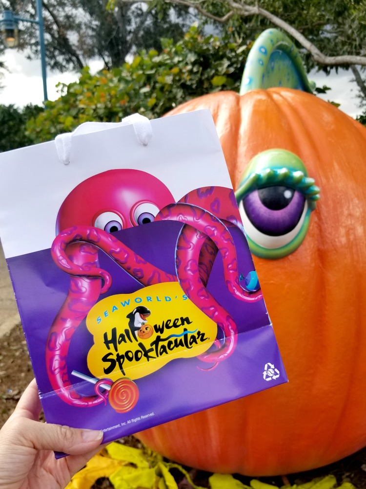 SeaWorld Halloween Spooktacular Tips - choose the right candy line.