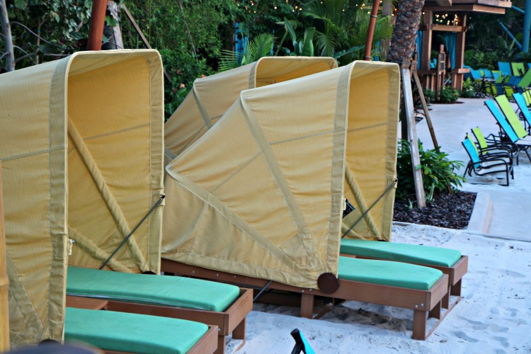 Knowing how and when to reserve premium seating is one of the most useful Volcano Bay tips