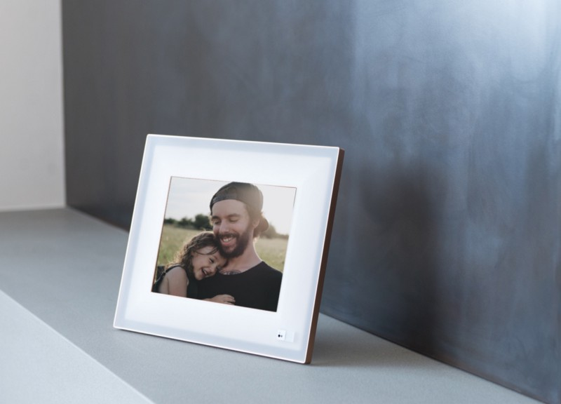 The best digital frame on the market is a great gift for the man on your list.