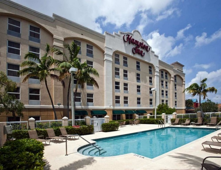 The Hampton Inn Fort Lauderdale Arport Hotel is a good choice when cruising out of Fort Lauderdale or Miami and another one of many reasons to stay at an airport hotel.