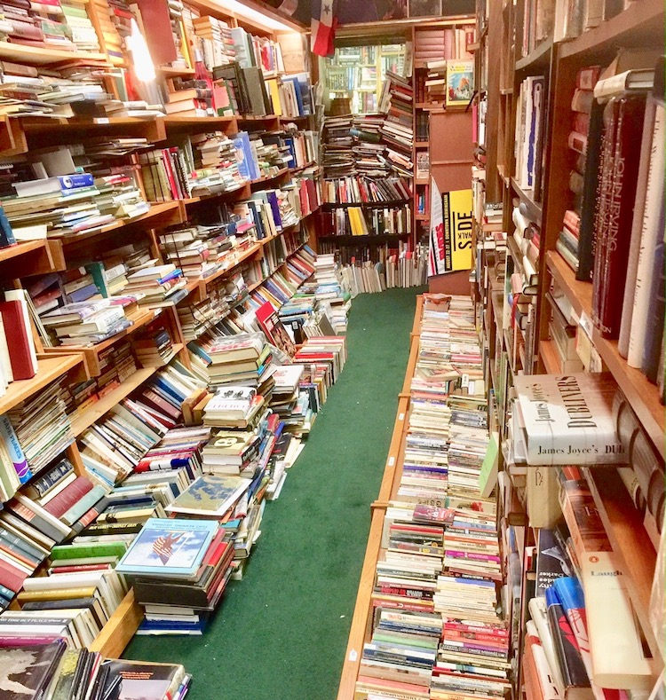 Things to do in Birmingham, Alabama must involve Reed Books where 50,000 of the quarter million volumes and magazines are catalogued.