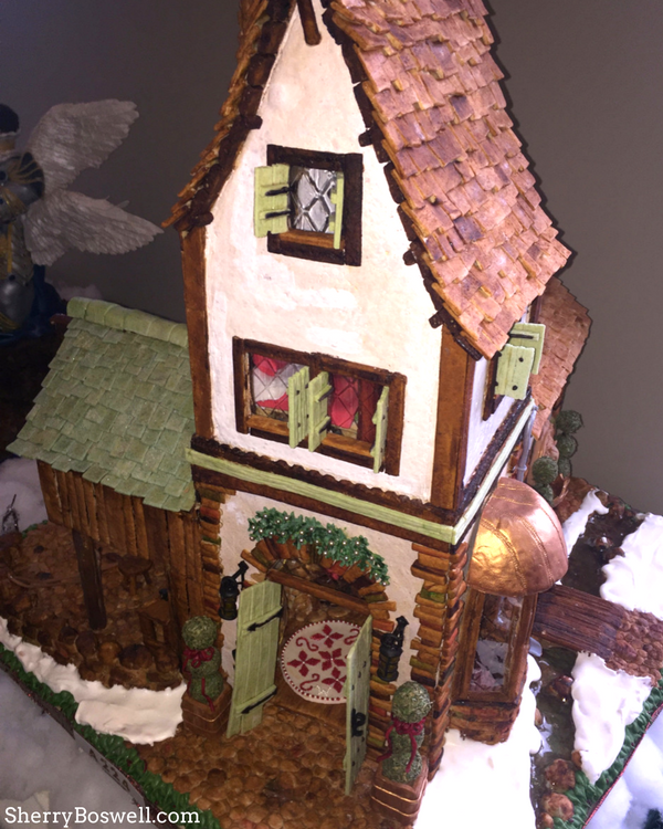 What makes the Omni Grove Park Inn the best Christmas hotel in Asheville? The fun gingerbread houses which deck the halls!