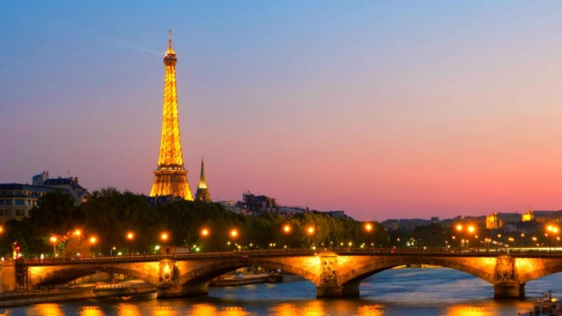 Paris at Sunset - beginner guide to Paris