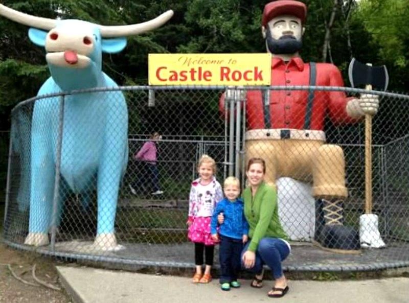 Paul Buny and Babe the Blue Ox statues by Castle Rock | Roadside Attractions | Michigan