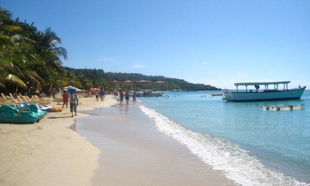 Guide for Your Honduras Family Vacation in the Bay Islands