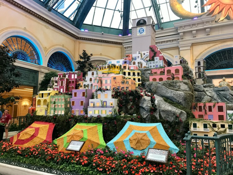 The Hotels in Las Vegas like the Bellagio have a lot of things for kids to see.